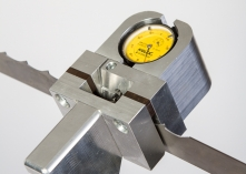 Saw-tooth path measuring device
